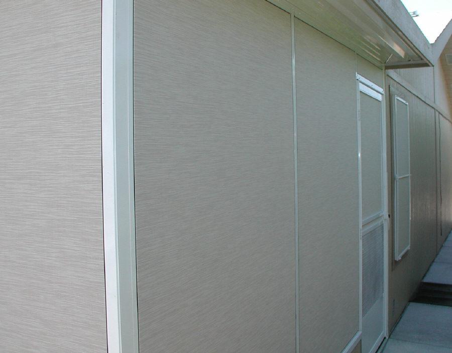 Screen room frame corner
