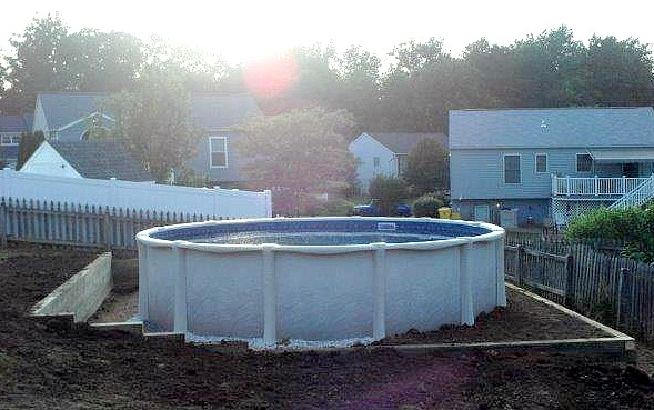 Retaining Walls for Round Pool