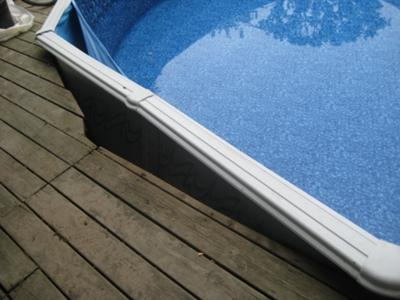 Liner Pulling From Pool Wall