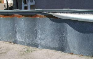 pool wall rust