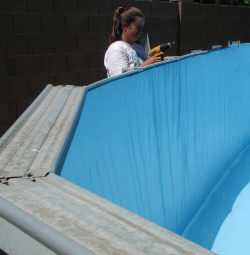 setting pool top rails