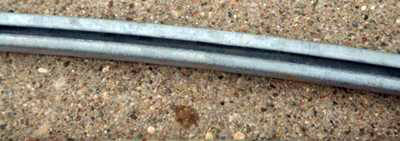 Top Retaining Rod